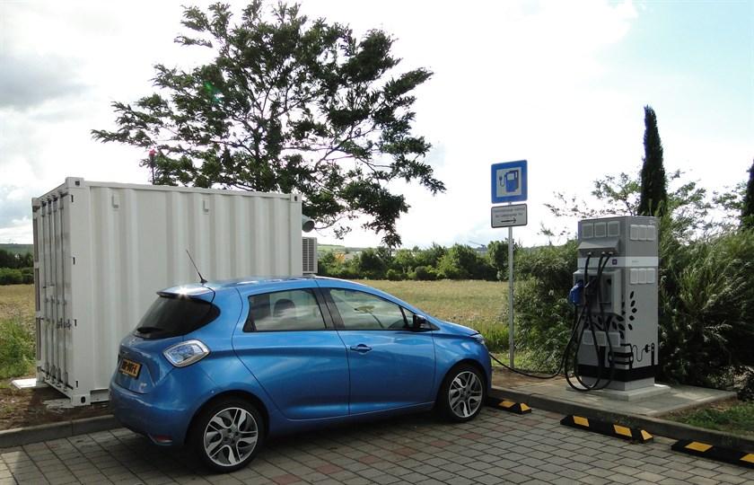 Renault обеспечила вторую жизнь автомобильных аккумуляторов
