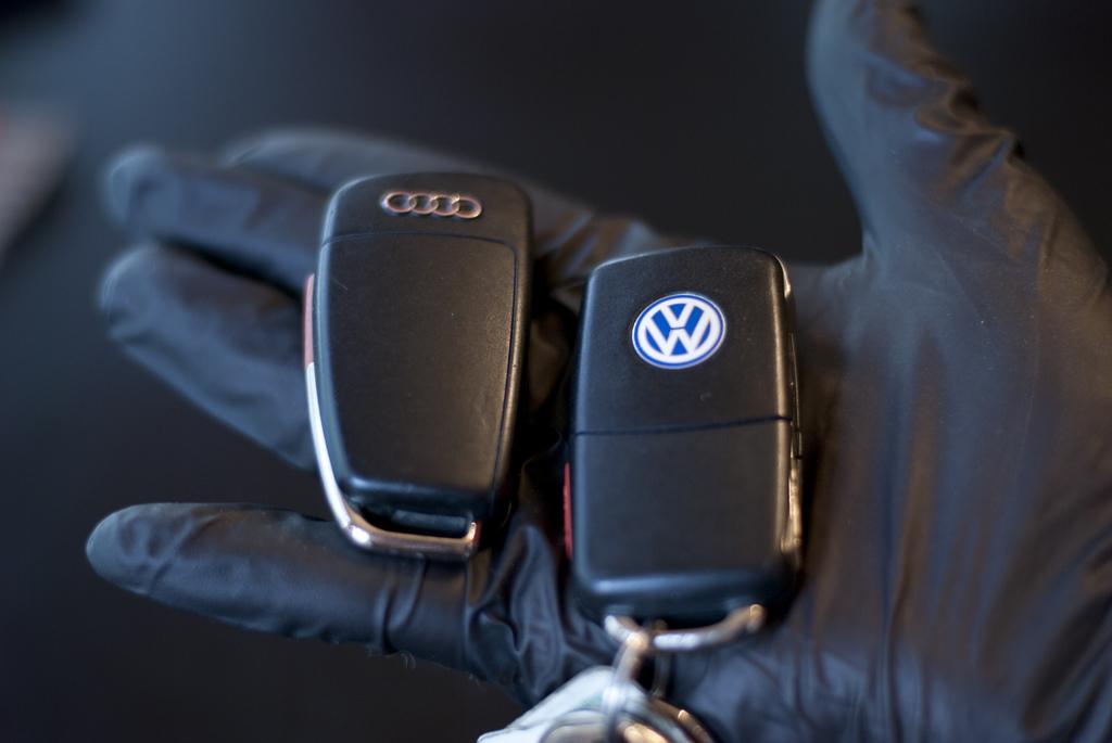 Хакеры научились вскрывать 100 млн авто VAG без ключей