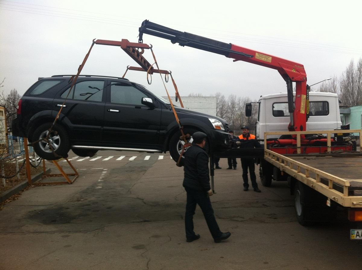 Вгосударстве Украина ввели фотосъемку нарушений правил парковки иразрешили эвакуацию авто