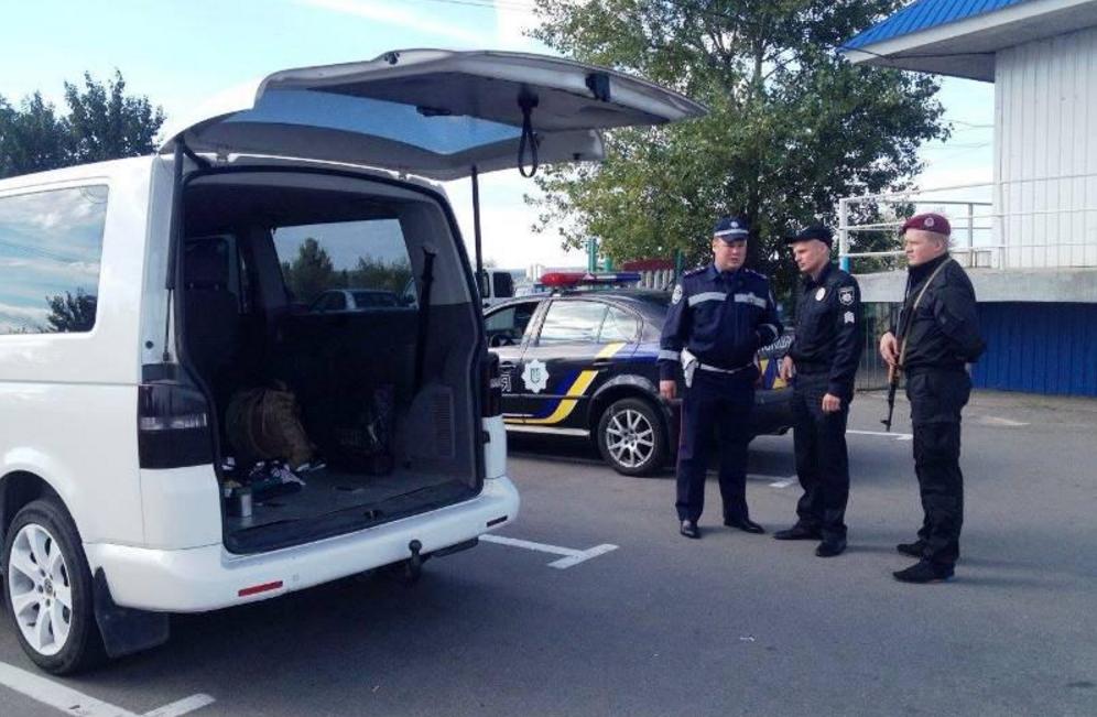 Полиция инициирует запрет водителям выходить из машины во время проверки