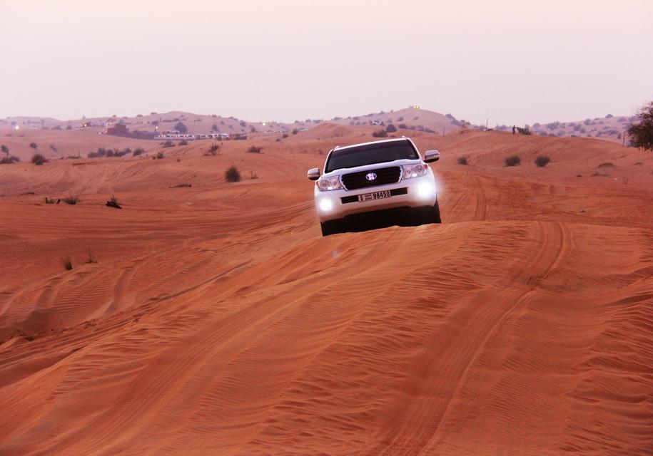В Дубае появятся цифровые автомобильные номера