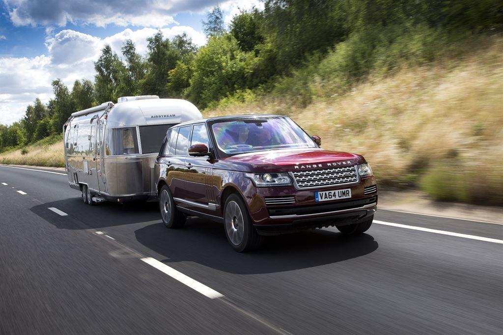 Land Rover создал «прозрачный» трейлер
