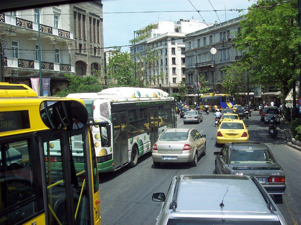 Греки массово отказываются от автомобилей