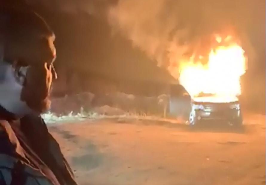 Глава «Авто Евро Силы» сжег свой Range Rover в знак протеста