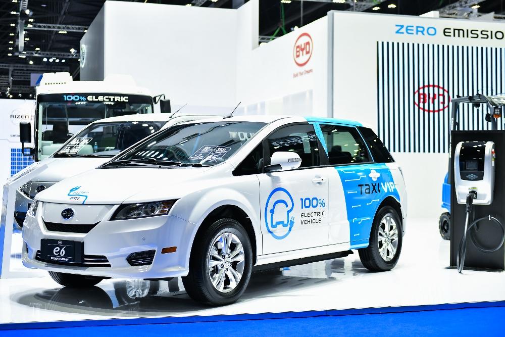Китайскую BYD пригласили в Украину выпускать батареи для электромобилей