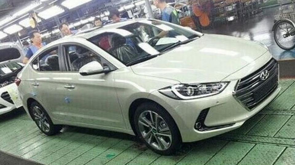 Новая Hyundai Elantra засветилась без камуфляжа!