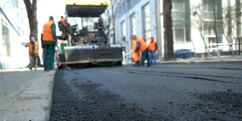 «Укравтодор» попросил граждан выпросить у президента денег на ремонт дорог