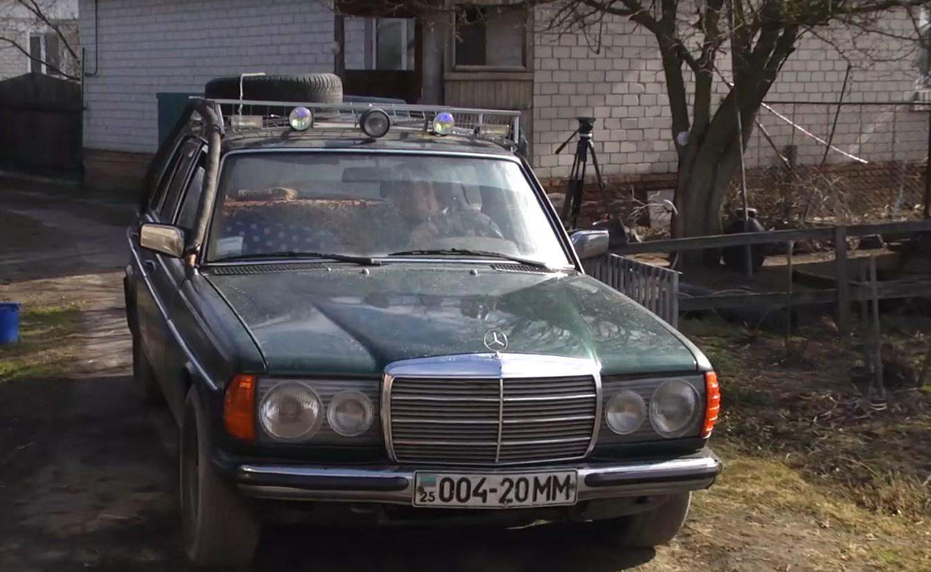 Пенсионер из Черниговской области перевел Mercedes-Benz на дрова