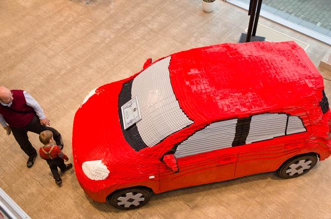 """""""Автоальянс"""" построил Nissan Micra из кубиков Lego"""