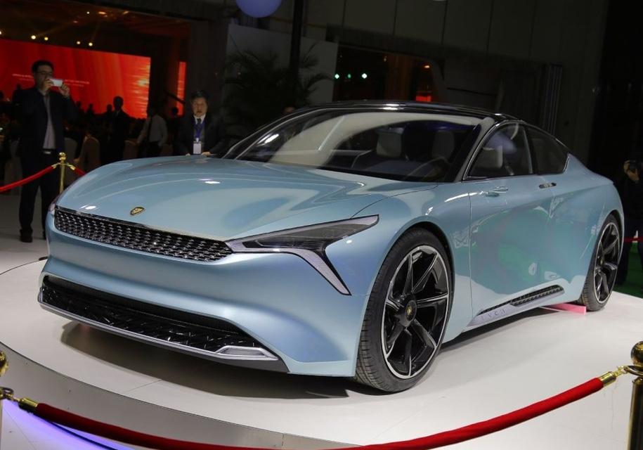 Новый китайский бренд представил собственный электрокар сзапасом хода в700км