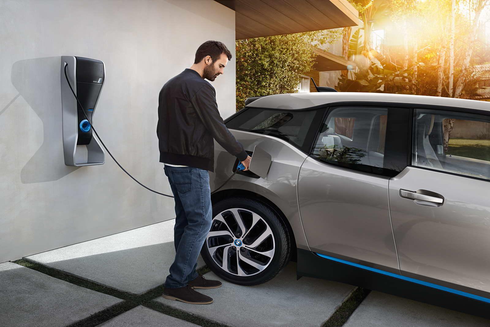 К 2025г. электромобили могут стать дешевле машин сДВС