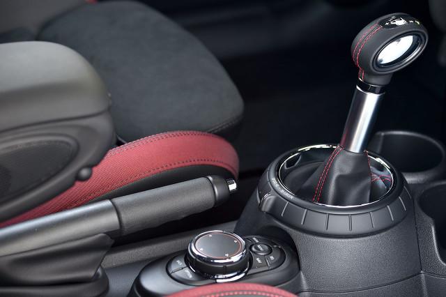 BMW оснастит MINI «роботами» с двумя сцеплениями