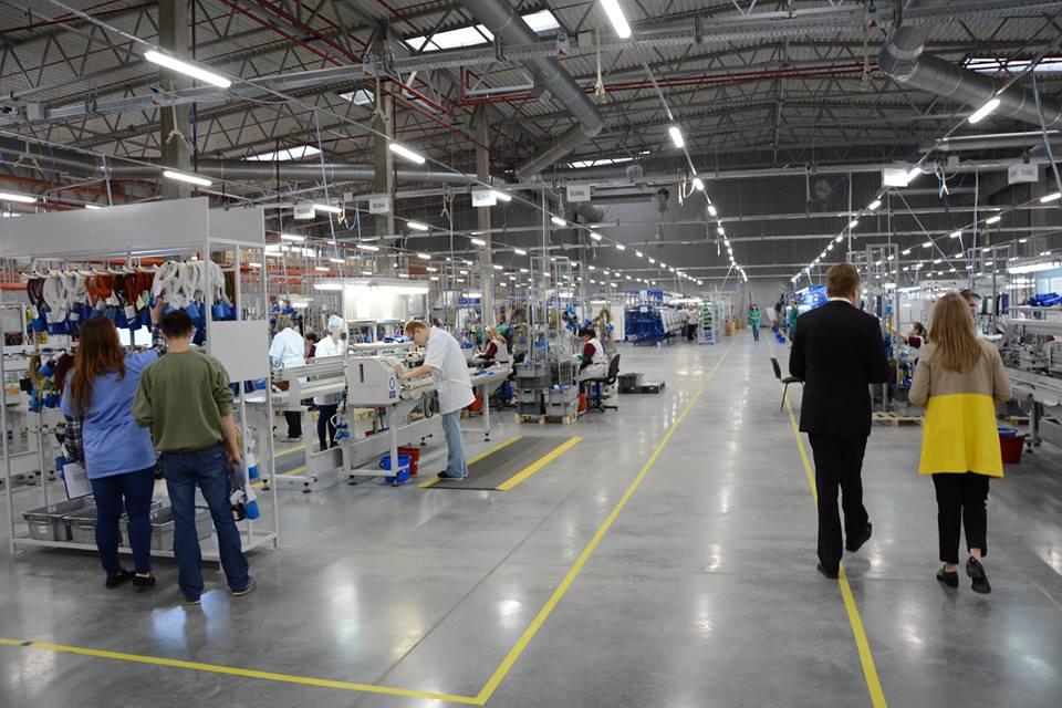 Компания Fujikura официально открывает завод автокомпонентов под Львовом