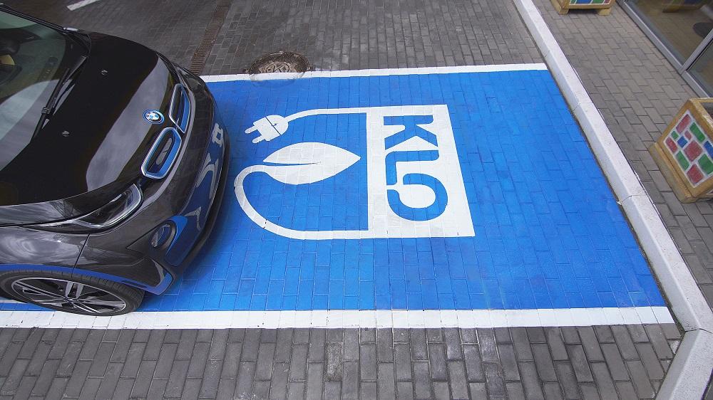 KLO изменит тарификацию на зарядку электрокаров