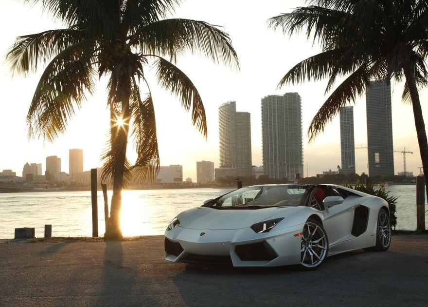 Каждому покупателю квартиры в Дубае — Lamborghini Aventador в подарок!