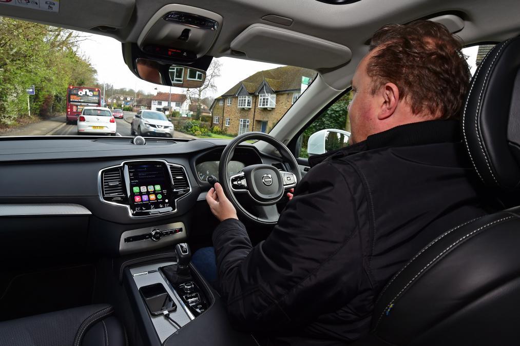 Первые беспилотные авто Вольво будут тестироваться в тайном режиме
