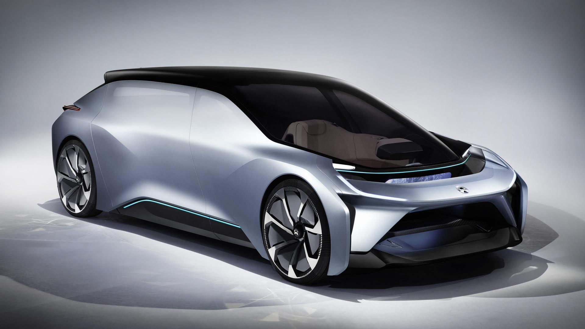 Китайцы создали электромобиль с зоной отдыха в салоне