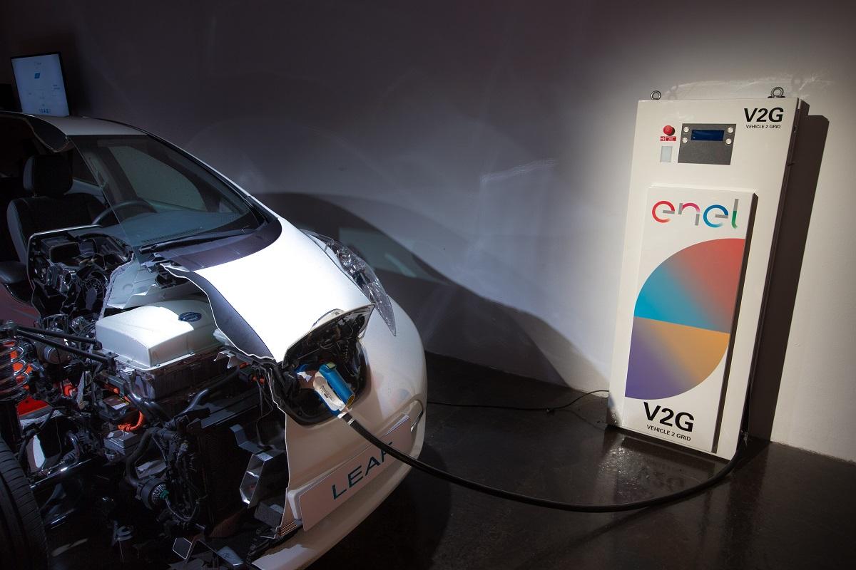 Владельцы электрокаров Nissan смогут продавать электроэнергию обратно в сеть