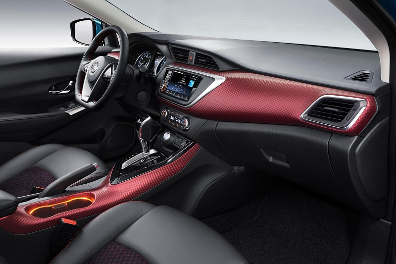 Компактные Nissan будут экономить топливо с новым вариатором
