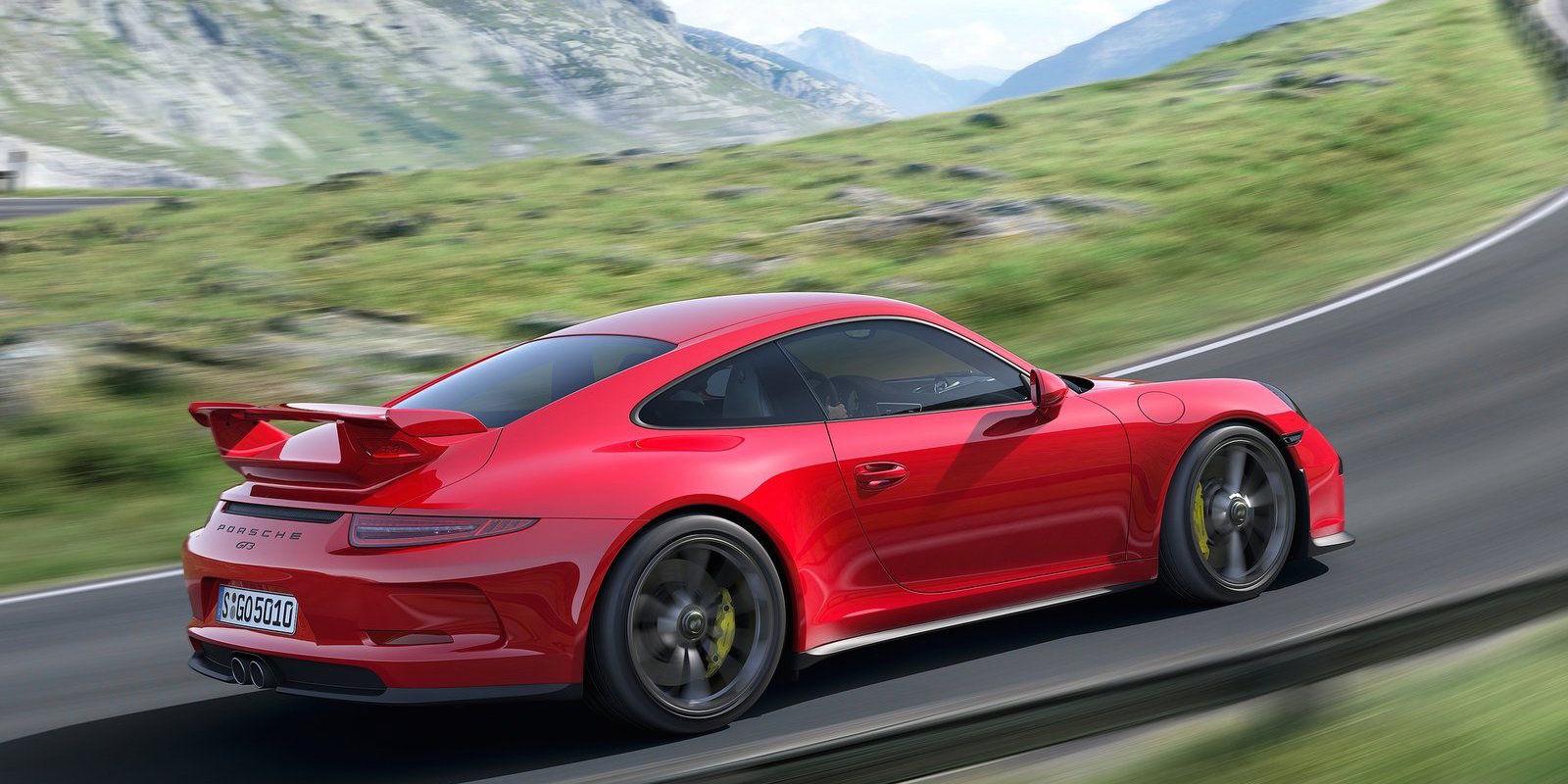 Porsche оставила марке Acura послание в моторном отсеке 911 GT3