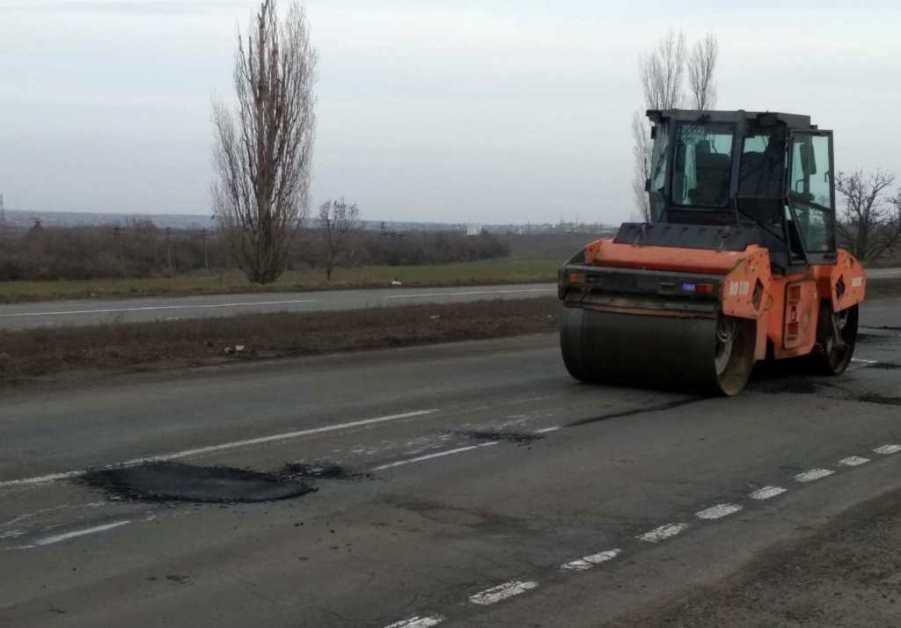 «Укравтодор» объявил о начале ямочного ремонта дорог