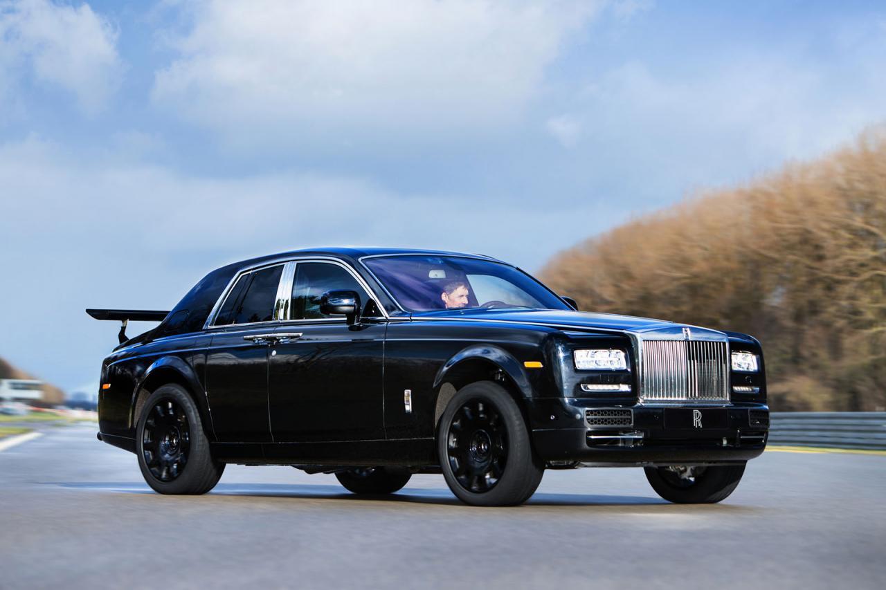 Rolls-Royce SUV test mule