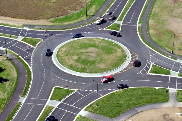 В правила проезда перекрёстков с круговым движением подготовили изменения