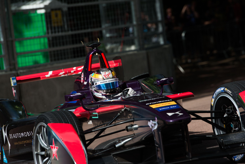 По итогам сезона 2015-2016 гг. команда DS Virgin Racing заняла третье место в чемпионате Formula E