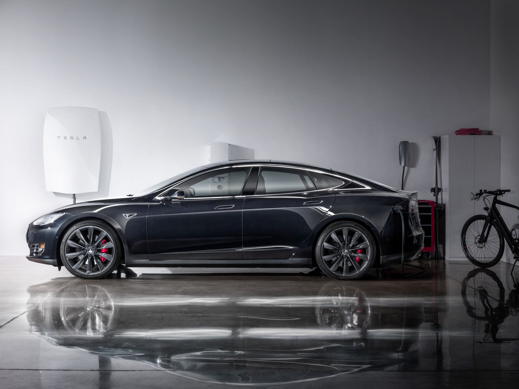 Tesla Motors предложила выкупить установщика солнечных энергосистем SolarCity