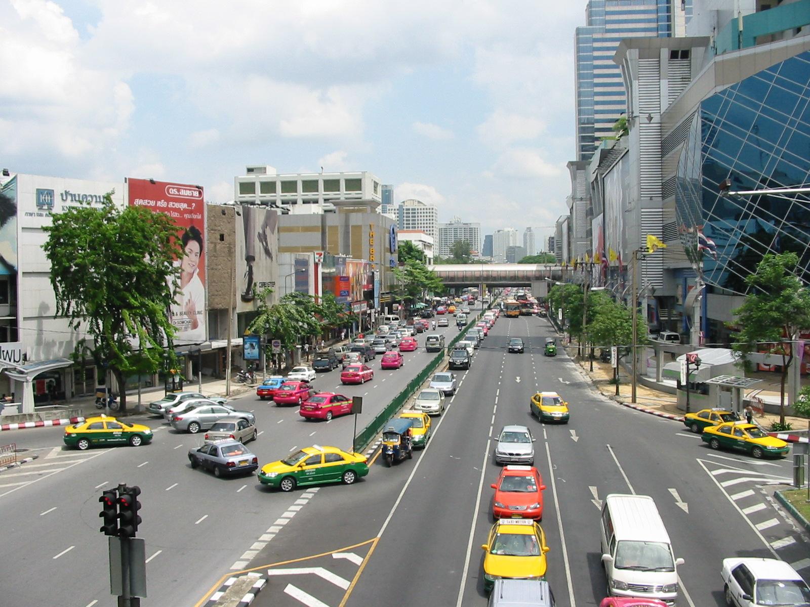 В Таиланде водителей за нетрезвую езду отправят работать в морги
