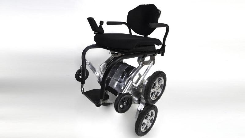 Toyota и создатель Segway разработают новую инвалидную коляску