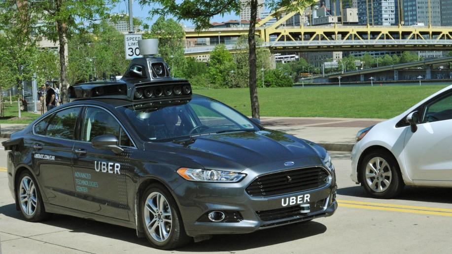 В США начались испытания самоуправляемых такси