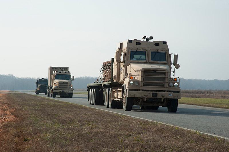 Армия США выведет самоуправляемые грузовики на обычные дороги