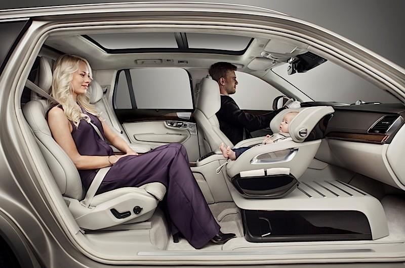 Volvo разработала особое детское кресло для XC90