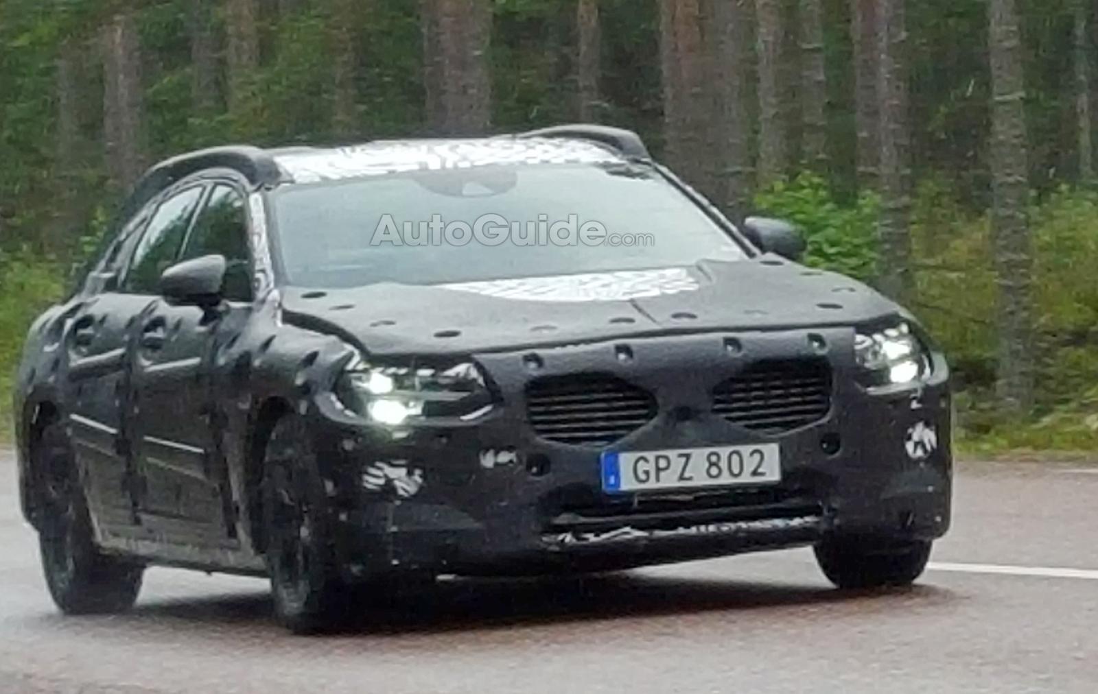 Каким будет новый Volvo S90?