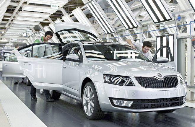 http://autonews.autoua.net/media/uploads/skoda/003_start_of_production_octavia_2012.jpg