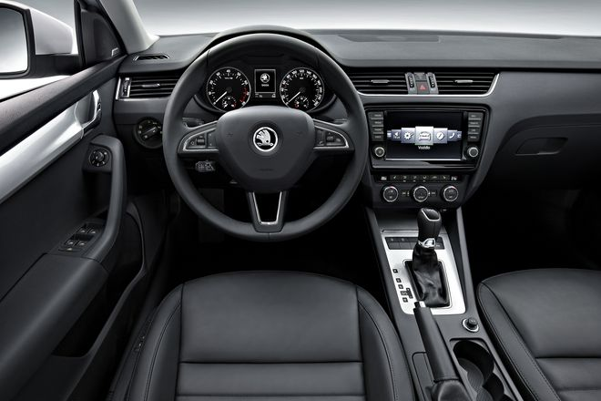 http://autonews.autoua.net/media/uploads/skoda/new_octavia_interior.jpg