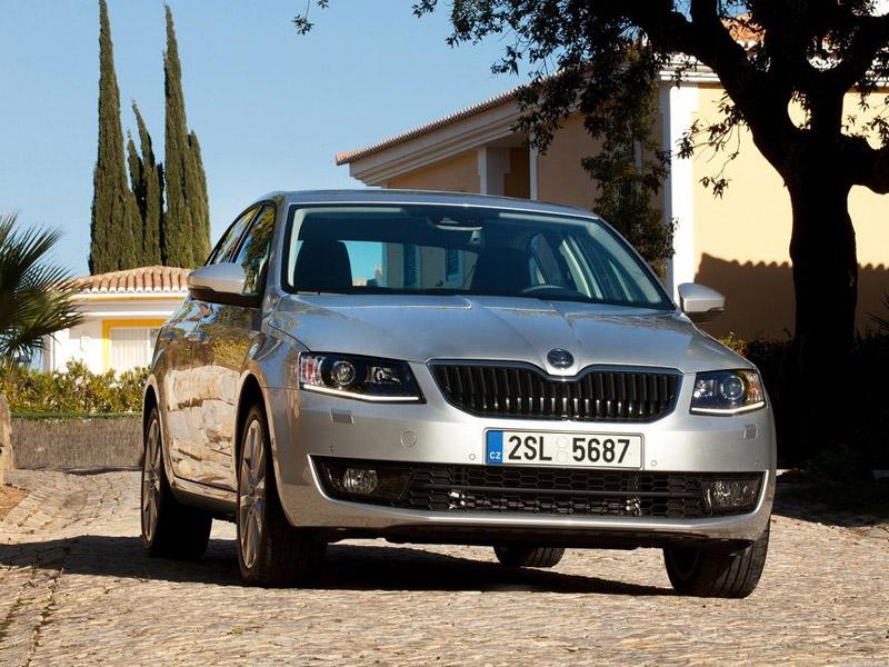 Skoda Octavia стала доступна с мотором 1,6 и «обычным» автоматом