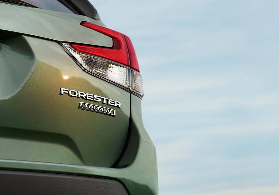 Subaru поделилась еще одним тизером нового Forester