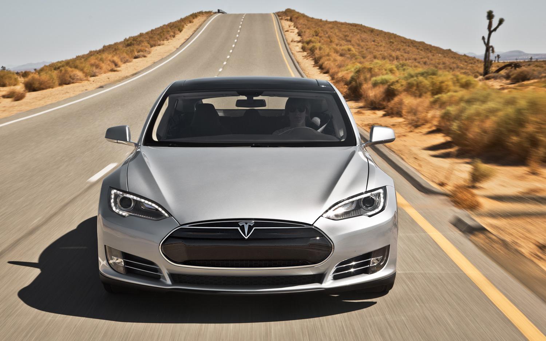 Автопилот Tesla «оправдали» вДТП сосмертельным исходом