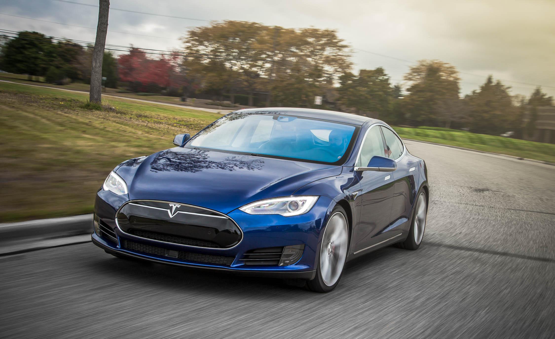 Ученые взломали бесключевой доступ электрокаров Tesla за 2 секунды