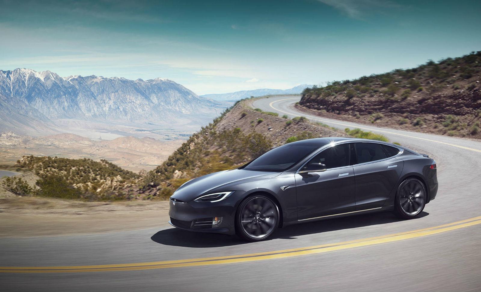 Автомобили Tesla получили расслабленный режим ускорения