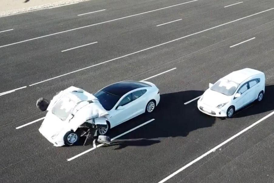 Британские ученые выяснят насколько безопасны автомобили с автопилотом