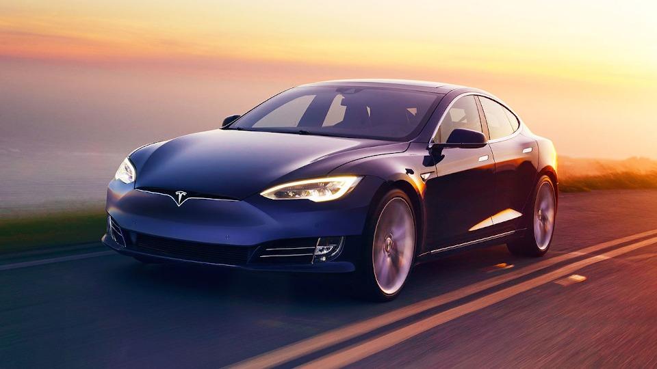 Tesla Model Sпроехал без подзарядки 540 километров