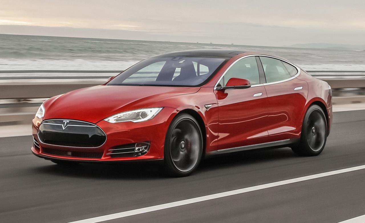 Германия потребовала от владельцев Tesla Model S вернуть по 4 тысячи евро