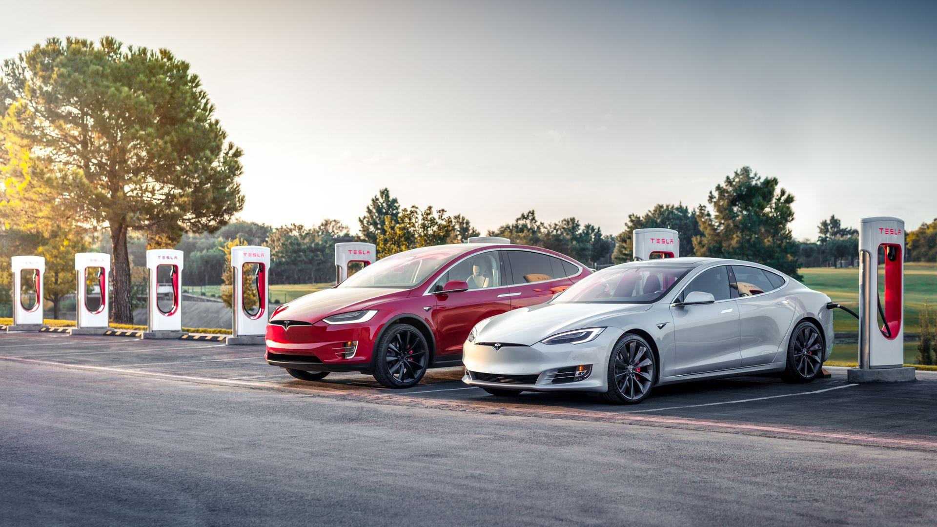 Tesla прекратит продажи базовых версий Model S и X