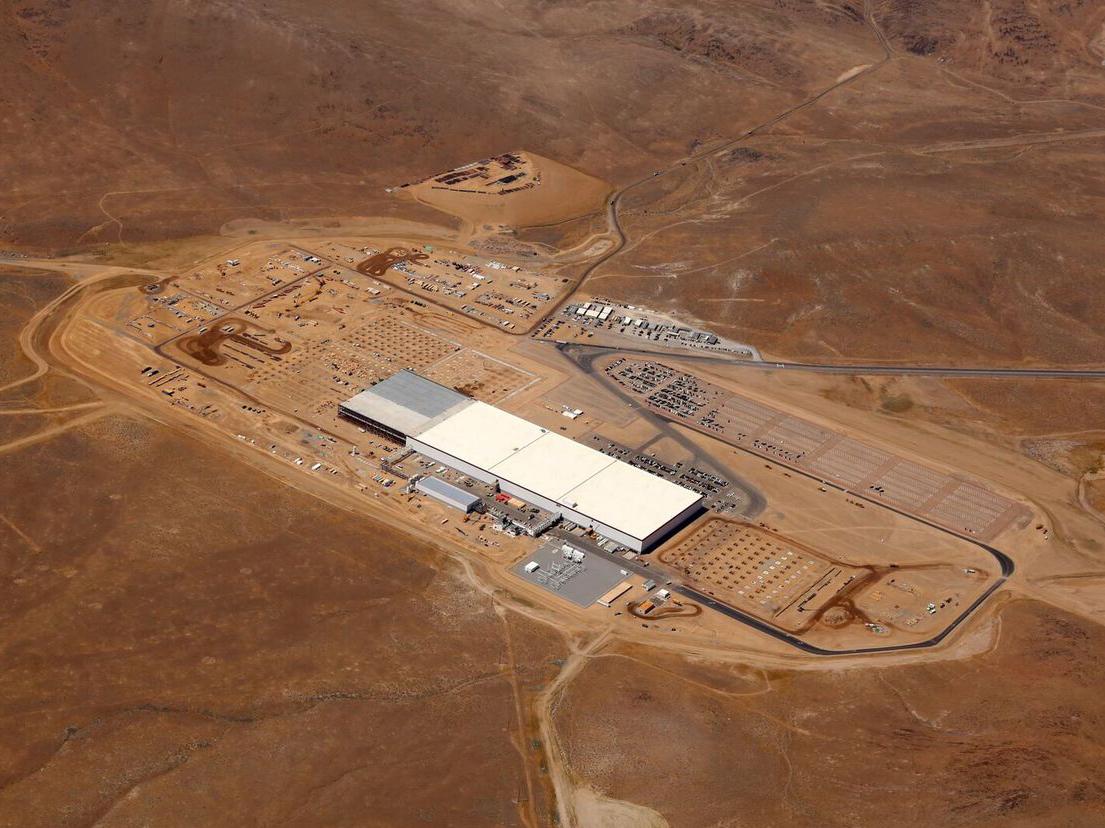 Tesla Motors открыла готовую на 14% «Гигафабрику»