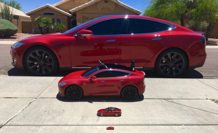 Tesla анонсировала электрический мини-кар