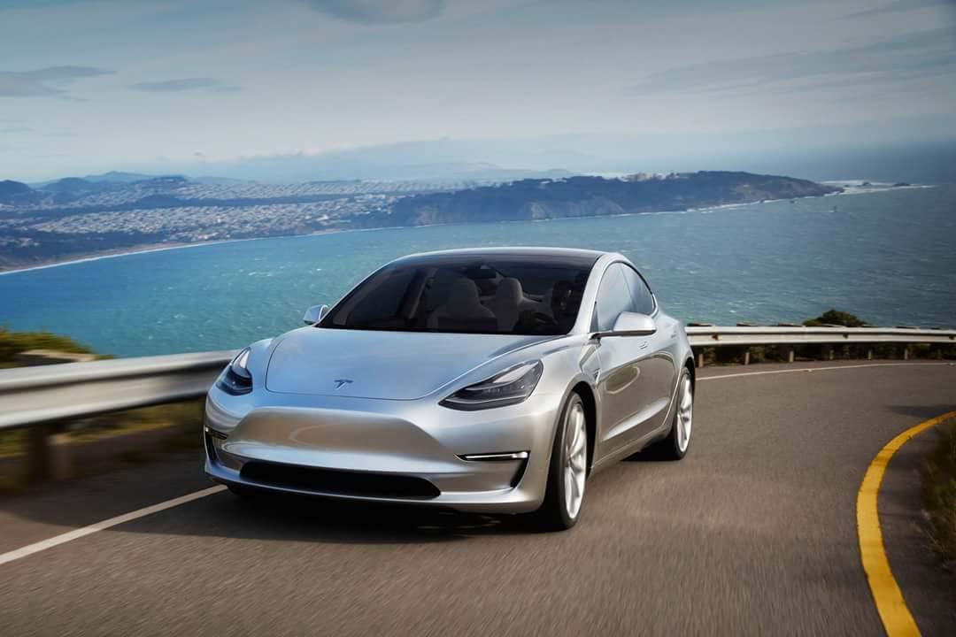 Электрокар Tesla Model 3 выходит на европейский рынок