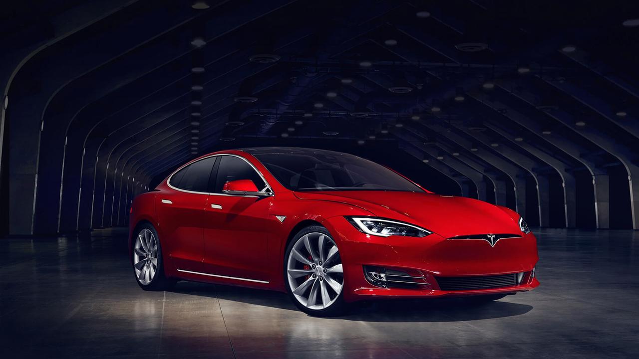 Электромобилю Tesla Model S впервые обновили дизайн